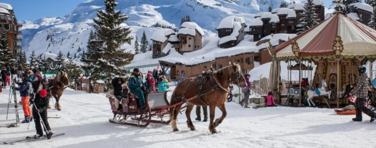 Avoriaz-Horse-and-Cart